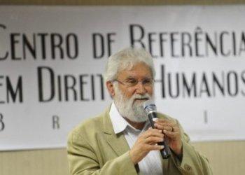 Brasília - O escritor e professor universitário Leonardo Boff e a ministra da Secretaria de Direitos Humanos, Maria do Rosário, participam da abertura do 2º Encontro Nacional dos Centros de Referência em Direitos Humanos